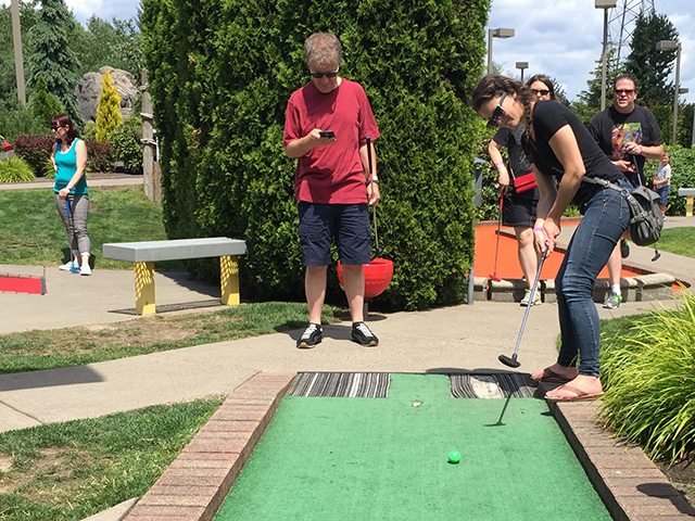 V2Works-Mini-Golf-01