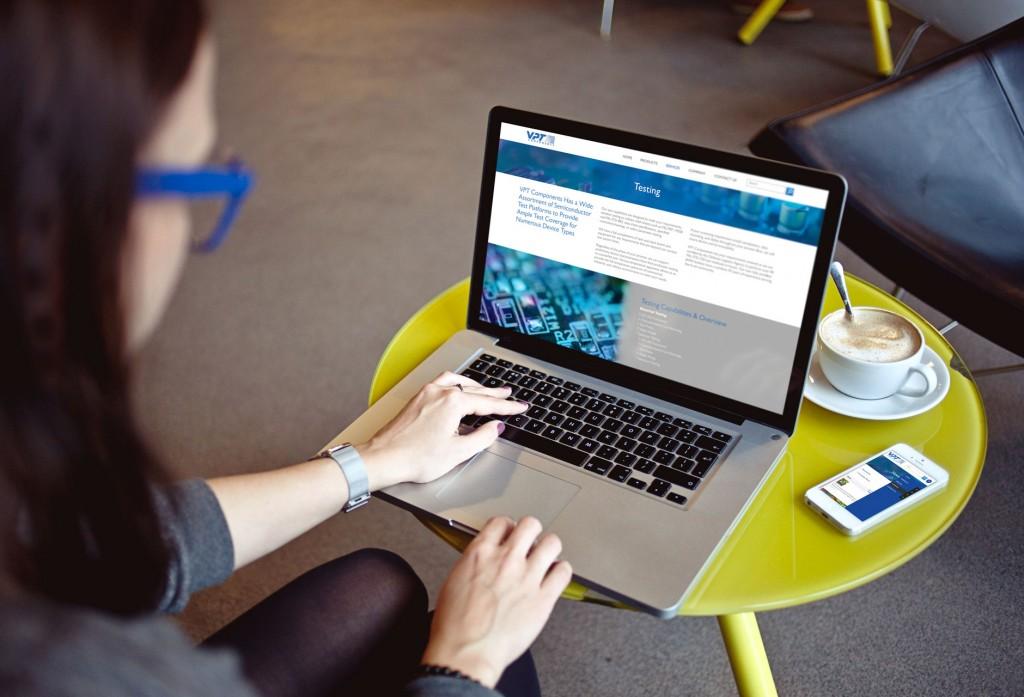cafe-laptop